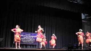 Mahita and Friends dancing to Thottu kadai orathile