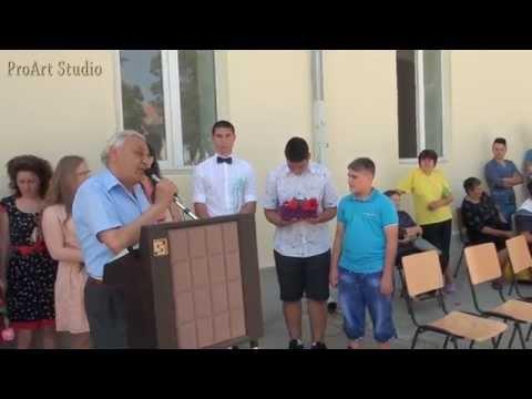 Absolvenţii şcolii din Denta, promoţia 2014