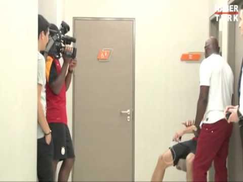 Cameraman Didier Drogba