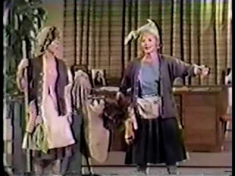 Lucille Ball & Carol Burnett - Chutzpah! (Full Sketch)