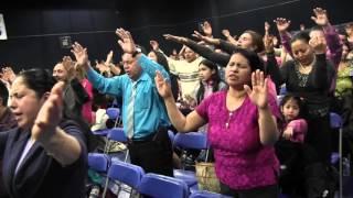"""Padre Jose E Hoyos """"Oracion por Liberación Niña Poseída""""..."""