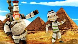 Видео про игрушки Бен Тен. Стим Смит телепортировал Бен 10 в Египет! Силач строит пирамиду!