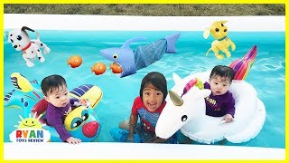 FAMILY FUN KIDS POOL PARTY with Giant Inflatable Float for Children and Bubbles Machine