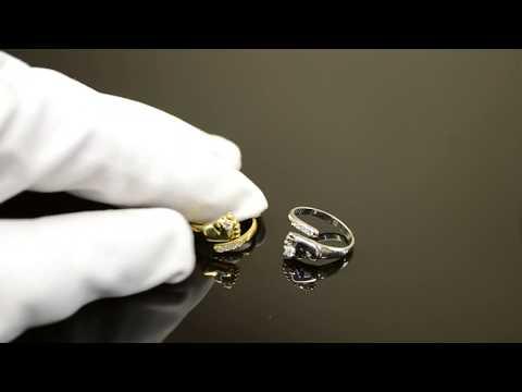 Серебряное кольцо ручной работы с пяточкой младенца и фианитами