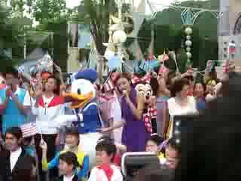 容祖兒 世界真細小 LIVE @ 香港迪士尼樂園小小世界 - YouTube