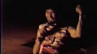 1984年11月1日、京都精華大学学園祭でのライブ映像です。