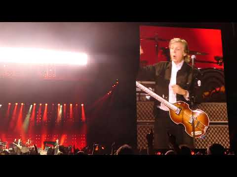 Review: Definitely We're Amazed by Paul McCartney at Dodger