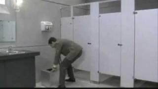 Mr. Bean auf toilette