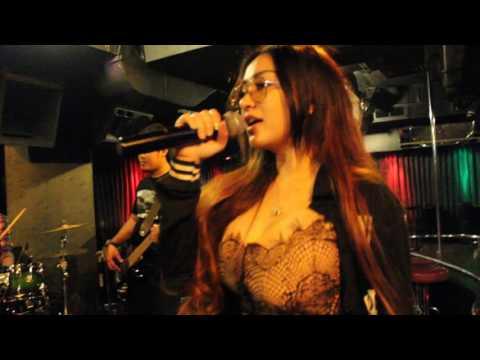 Cupi Cupita - GR Goyang Basah di Emporium Hotel Jakarta dengan  Live Music Band