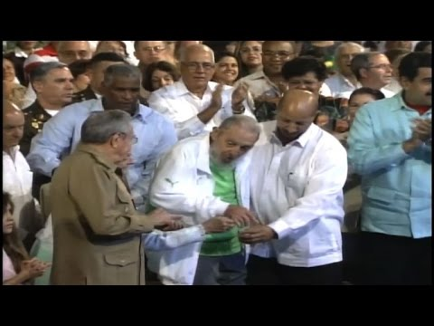 Cuba's Fidel Castro makes public appearance for 90th birthday