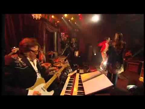 RocKwiz Duet: Toni Childs and  Adam Green - (Love Is Like a) Heat Wave