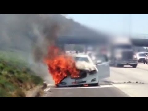 Man pulls Dick Van Dyke from burning car