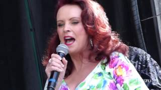 Strut - Sheena Easton (live) #2 @ Canada Day 2016 - Vancouver Canada Place