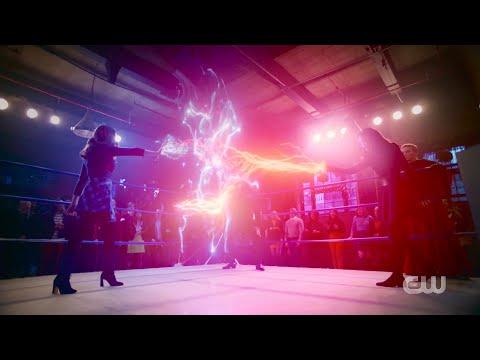 Legacies 2x15 Hope Fights Josie, Lizzie Saves Hope