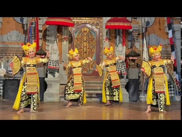 Legong Pelayon 2020 at Balerung Stage Peliatan Bali