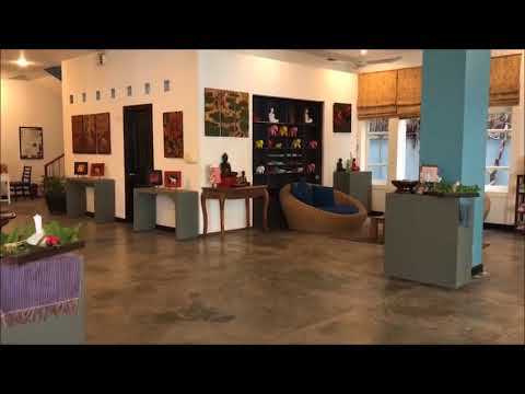 Lobby In Frangipani Villa Hotel