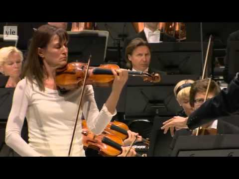 Shostakovich: Violin Concerto No. 1 - Viktoria Mullova (1/3)