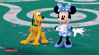 Minnie's Wizard of Dizz - Clubhouse Song - Official Disney Junior UK HD