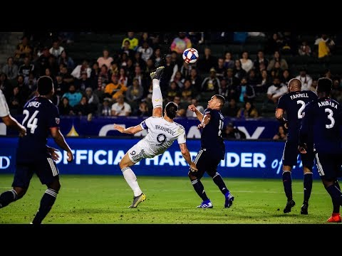 Zlatan Ibrahimovic scores UNBELIEVABLE BICYCLE KICK GOAL