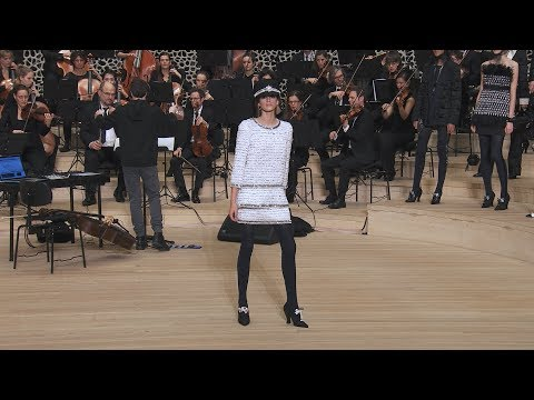 The Paris-Hamburg 2017/18 Métiers d'art show - CHANEL