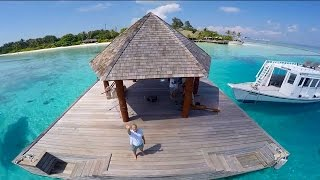 Drone captures video of the beautiful Komandoo Island Resort & Spa, Maldives(Incredible drone footage of the Maldives' most romantic resort, Komandoo. A whole new perspective of the true beauty of the island. Paradise, pure and simple..., 2015-03-17T08:56:39.000Z)