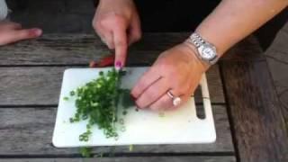 How To Make Tabouli - Lebanese Salad