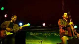 ATOMIC - Oh Suzanne (Live at Tollwood in Munich 2008)
