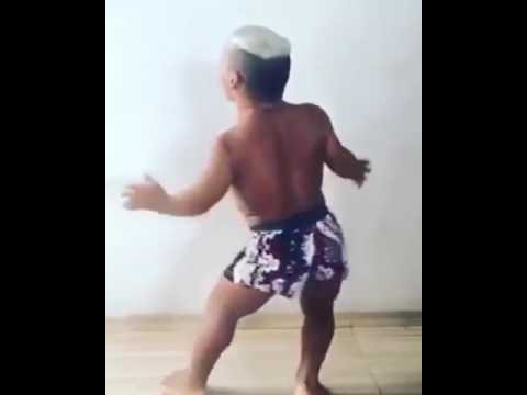 Nain qui danse mdrrr youtube - Petite souris qui danse ...