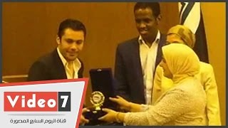 الجامعة العربية تكرم أحمد حسن وتامر شوقى فى يوم التبرع العالمى بالدم