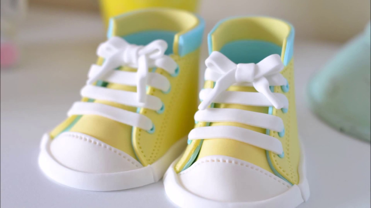 descanso Decano Extremistas  Fondant Baby Shoes video tutorials(Converse Cake Topper 2)폰던 베이비슈즈 컨버스  케이크토퍼 - YouTube