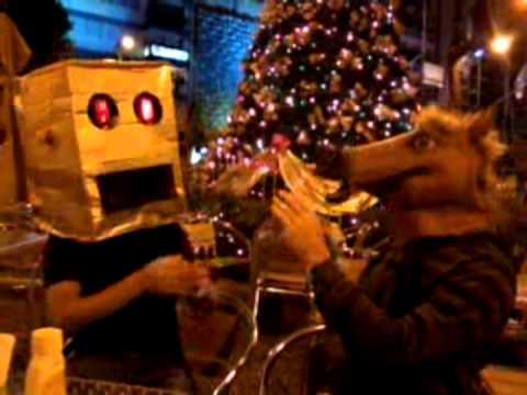 """LMFAO Robot head """"Shuffling"""" & Horse Mask """"Invasor"""" in Carnaval 2013 - Montevideo"""
