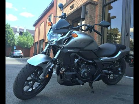 2015 Honda CTX 700ND Automatic Dual Clutch Transmission Motorcycle with ABS  Review walking arround