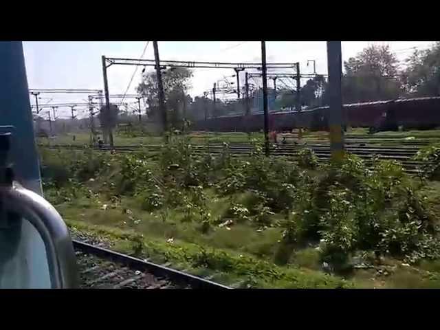 LJN-JP Exp entering LJN terminal of Charbagh (Lucknow) Railway Station