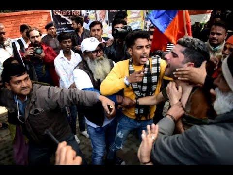 Kashmiri Person Beaten Up at Jantar Mantar   Raising Slogan 'Pakistan Zindabad'   Ten News Exclusive