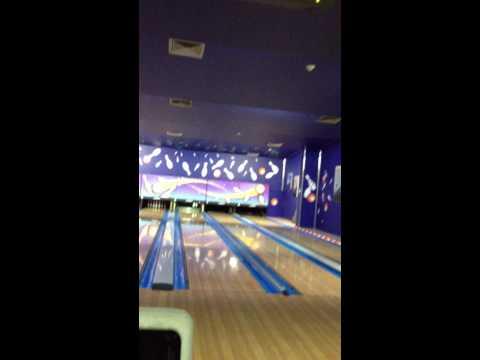 bowling ng dalawang mag k tungali :) jeddah kingdom of saudi arabia