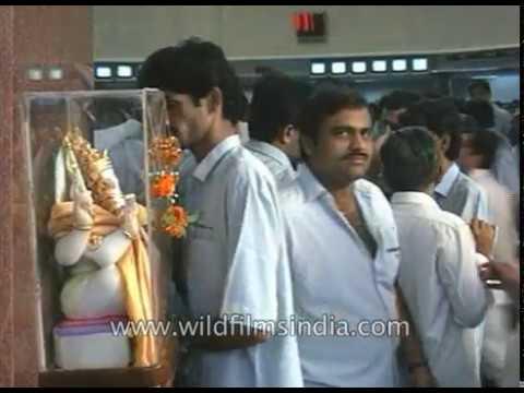 Bombay Stock Exchange - Lord Ganesh idol everyone prays to, before trading