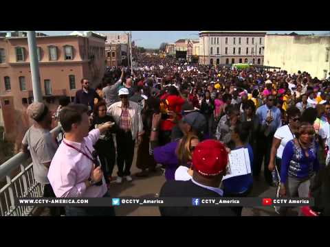 Thousands unite to cross Edmund Pettus Bridge in Selma