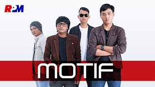 Motif Band Cinta Segitiga MP3