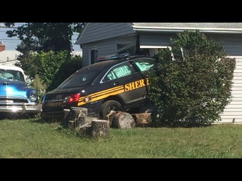 Franklin County Deputy crashes into west Columbus home
