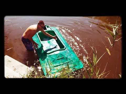 Испытания лодки Tomboat. Переворачиваем лодку. Смотрим результат.