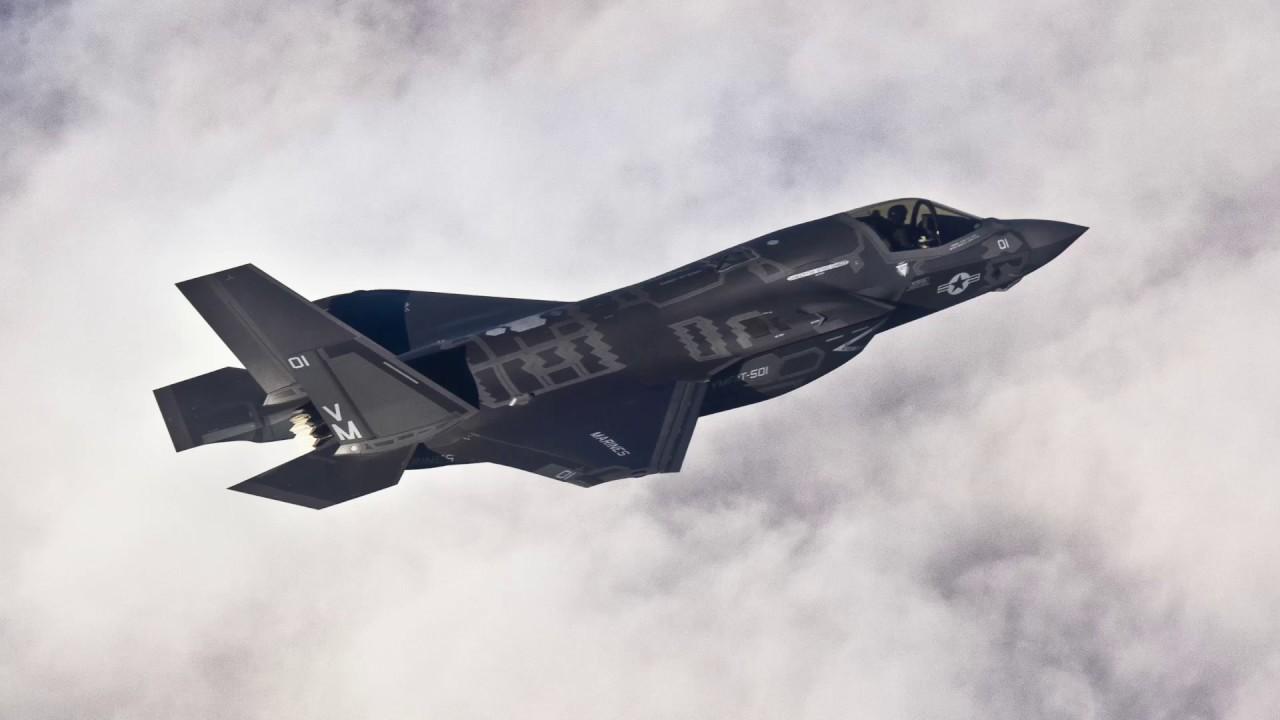 Download طائرة F35 تستعرض إمكاناتها من داخل استديوهات الحرّة