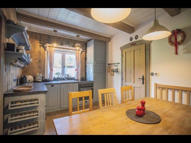 Prodej elegantního bytu 2+1 v krkonošské roubence v Peci pod Sněžkou