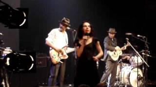 PJ Harvey & John Parish :::: A Woman A Man Walked By...  :::: @ Bataclan