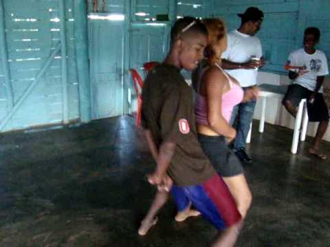 geral bailando reguetton