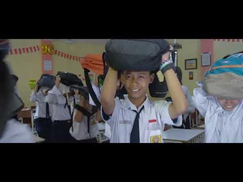 Simulasi Bencana Gempa Bumi (Earthquake Disaster Simulation) SMP Negeri 28 Surabaya