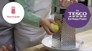 Grate safely with chiĮdren by following these three essential steps - Cooking skills for children