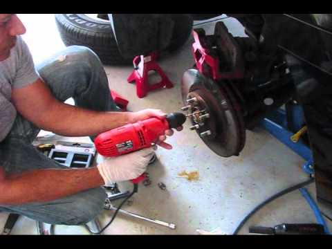 How To Replace Rear Brake Pads And Rotors On A 2005 Honda Pilot