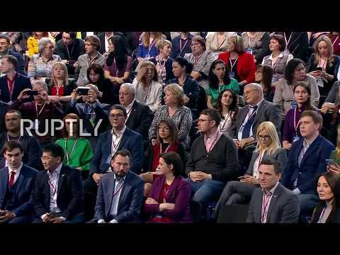 LIVE: Putin meets media representatives during forum in Kaliningrad