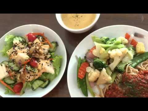 Vegan food at Aenon
