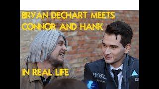 Bryan Dechart meets Connor and Hank in real life.Брайан Декарт встретил Коннора и Хэнка на Comic Con
